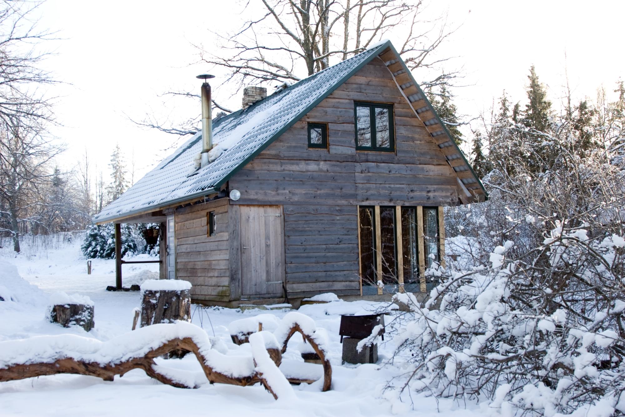 Māja ziemā