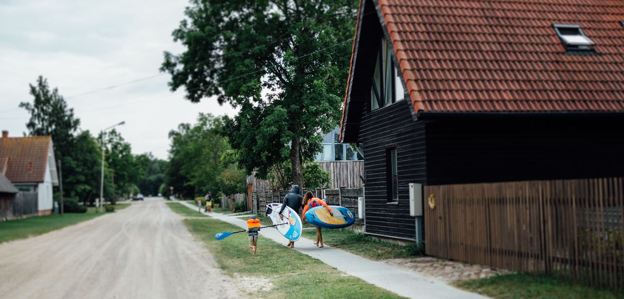 liepaja single parents Did you know 12,1% of the families in dithmarschen are single parent families,  of which 4009 are mothers and 886 are fathers visit the blog for more.