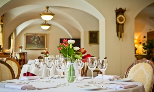 TOP 6 restaurants in manor houses