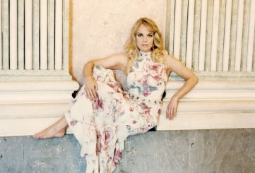 """The glory of the stars in the concerts """"Born in Latvia"""""""