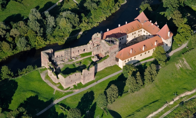 Bauska Castle dual ensemble