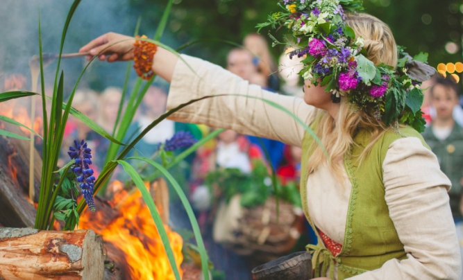 "Summer Solstice of celebration ar Valmiermuiza"" and ethno-eco festival ""Sviests"""