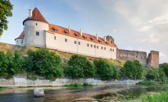 Bauska Latvia  city pictures gallery : Bauska Castle | Latvia Travel